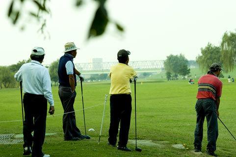 ゴルフ打ちっぱなしの受付嬢バイトの体験談